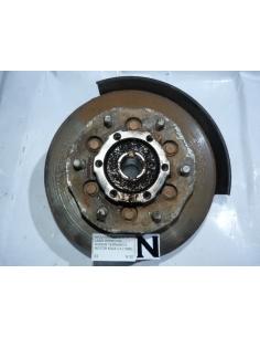 Masa muñon disco derecho Nissan Terrano II Motor K424 2.4 1996
