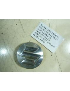 TAPA CENTRAL NEUMATICO LLANTA SUZUKI GRAND NOMADE 4X4 2.0 BENCINA J20A 2006-2012