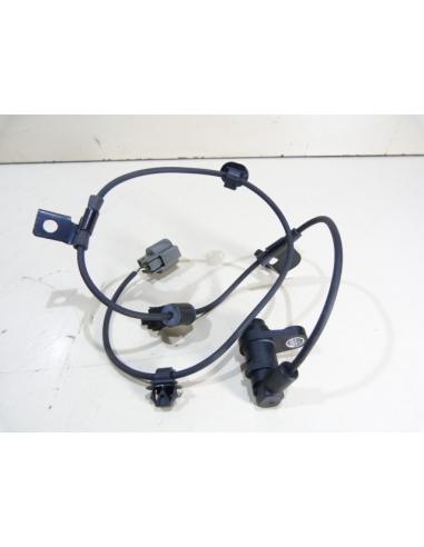 Trasero Izquierdo /& Derecho ABS Sensor De Velocidad Para MITSUBISHI L 200 Pajero 2005